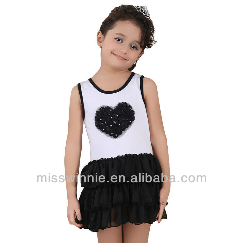 fashion design short sleeve girl's pink t-shirt with heart-shaped