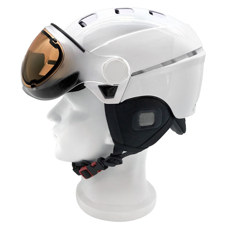 New Design Superior Ski Helmet With Visor 5