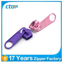 2017 new products zipper slider with lock hole
