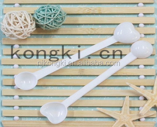 2g+3g pp plastic heart shaped measuring spoon