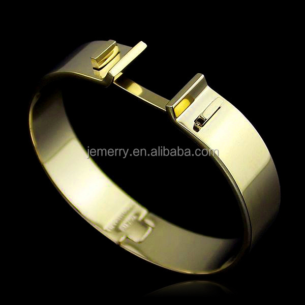 Modern Gold Plated Latest Designs 10 Gram with Wide Face T Letters Snap Buckle Clasp Bangle Bracelet for Women