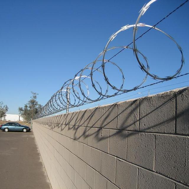 Buy Cheap China barbed wire wire fencing Products, Find China barbed ...