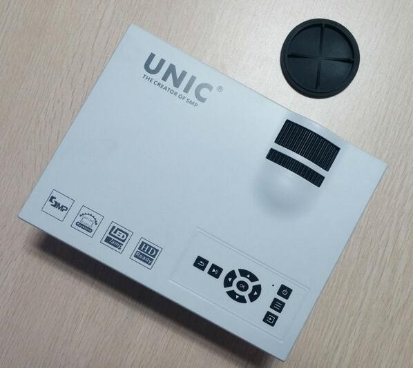 UNIC UC40+ LED Pocket Projector 800lms portable Home Theater mini projector 2017