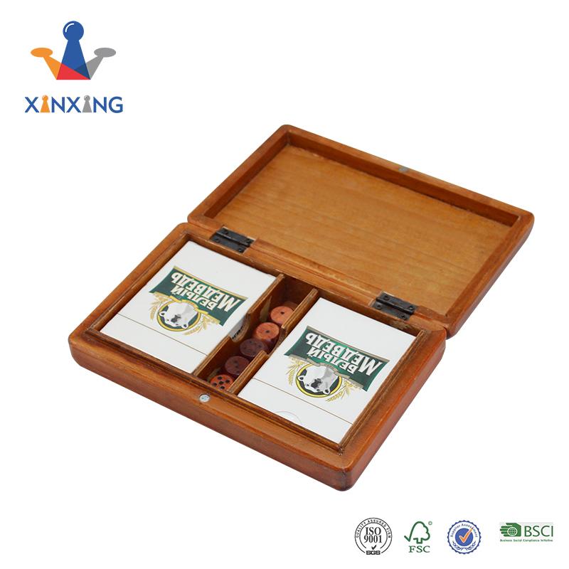 Poker Dice in wooden box