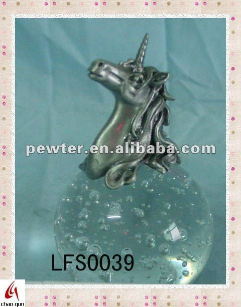 2012 crafts unicorn statue on crystal ball 0039