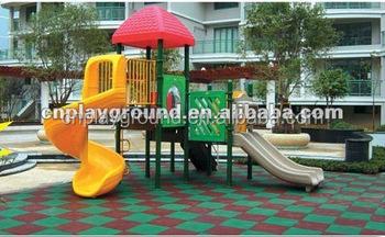 A parco giochi per bambini gomma pavimenti parco giochi