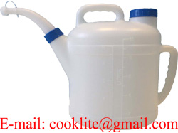 10L Polyethylene Fuel Oil Measuring Container Cool Water Canister Watering Can
