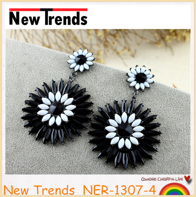 Large chunky earrings black resin flower jewelry