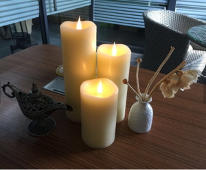 Flameless Candle 360 Degree Moving Wick Free-Flowing 3D Effect Fireless flame Real Wax LED Pillar Candle