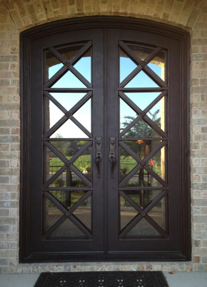 Griglia di ferro della porta ingresso porta in ferro battuto ...