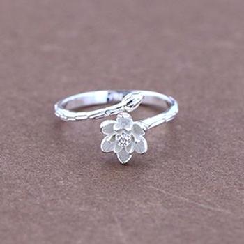Graceful Women Jewelry Beautiful Silver Lotus Flower Adjustable Ring