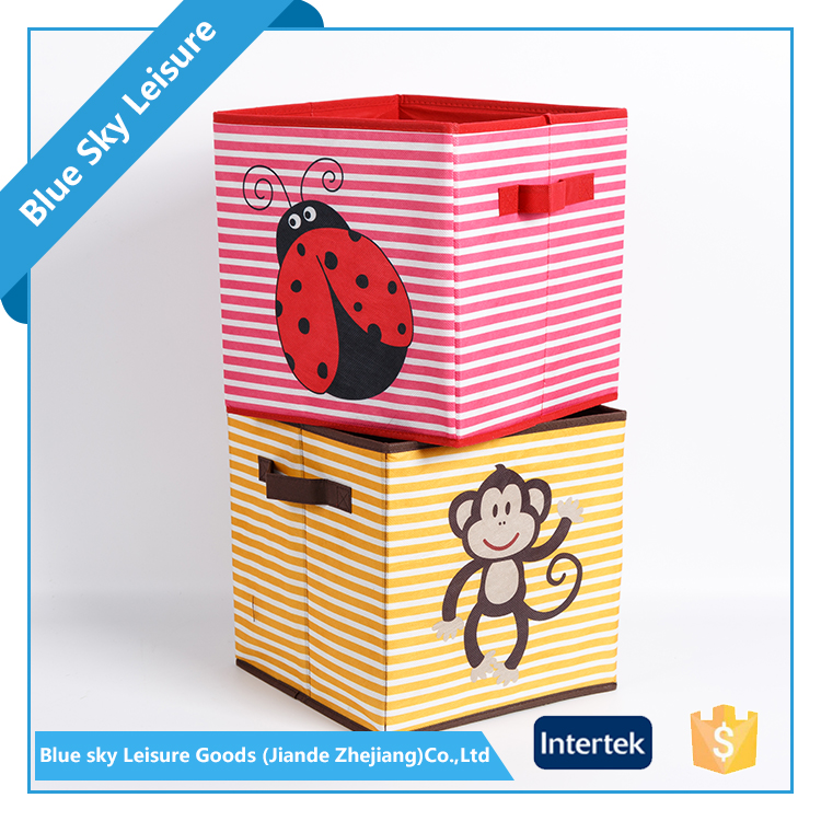Waterproof PP Non-woven Fabric Portable Cube Cartoon Printing Sugar Toy Storage Box For Kids