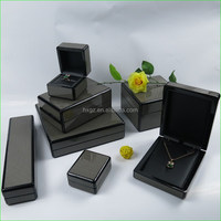 Luxury MDF glossy lamination Jewelry Set Display Boxes Made pu leather in China