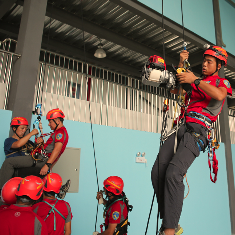 ANSI-approval-american-work-at-height-climbing
