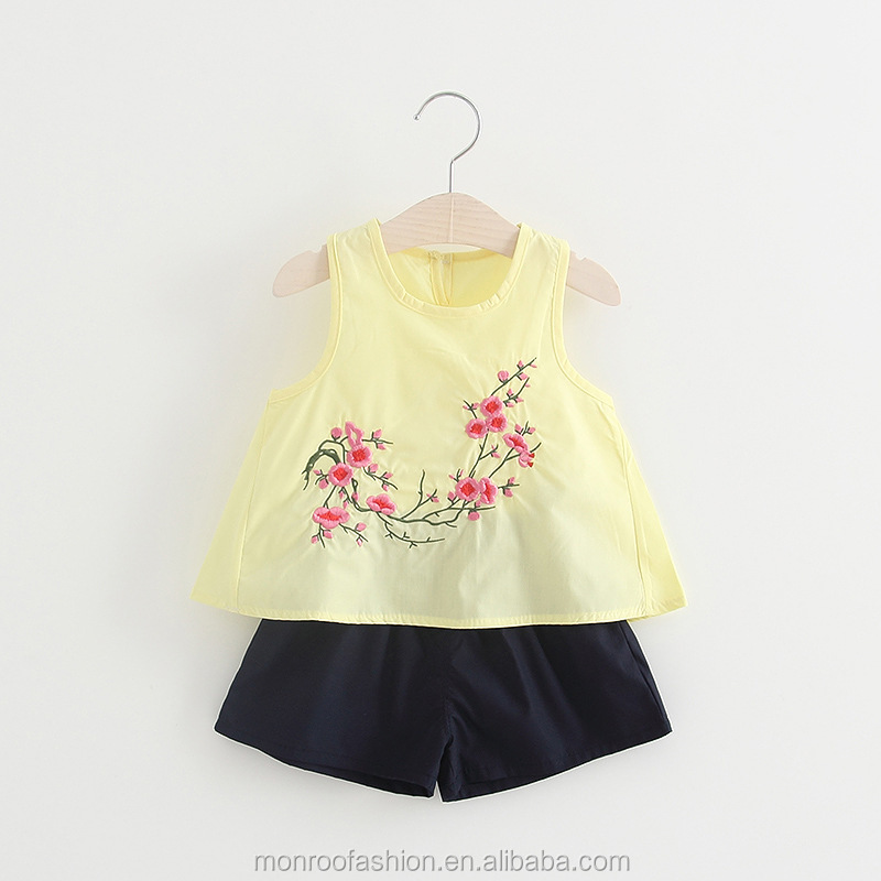 monroo Korea little girls flowers Embroidered blouse and Shorts 2 Piece Set