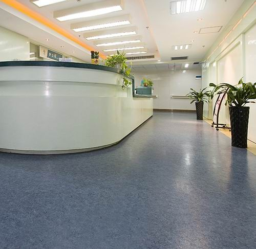 Anti bacterial 2mm hopsital homogeneous vinyl pvc flooring roll .jpg