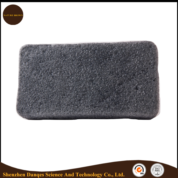 Konjac cleansing sponge with bamboo charcoal seal