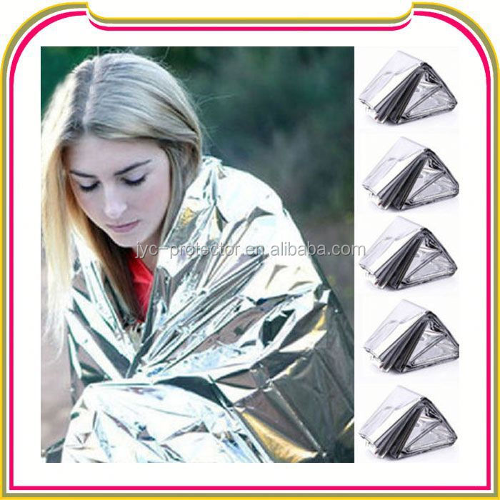 I107 Adventure medical kits emergency blanket