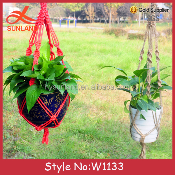 W1133 New fashion hanging self watering flower pots planters