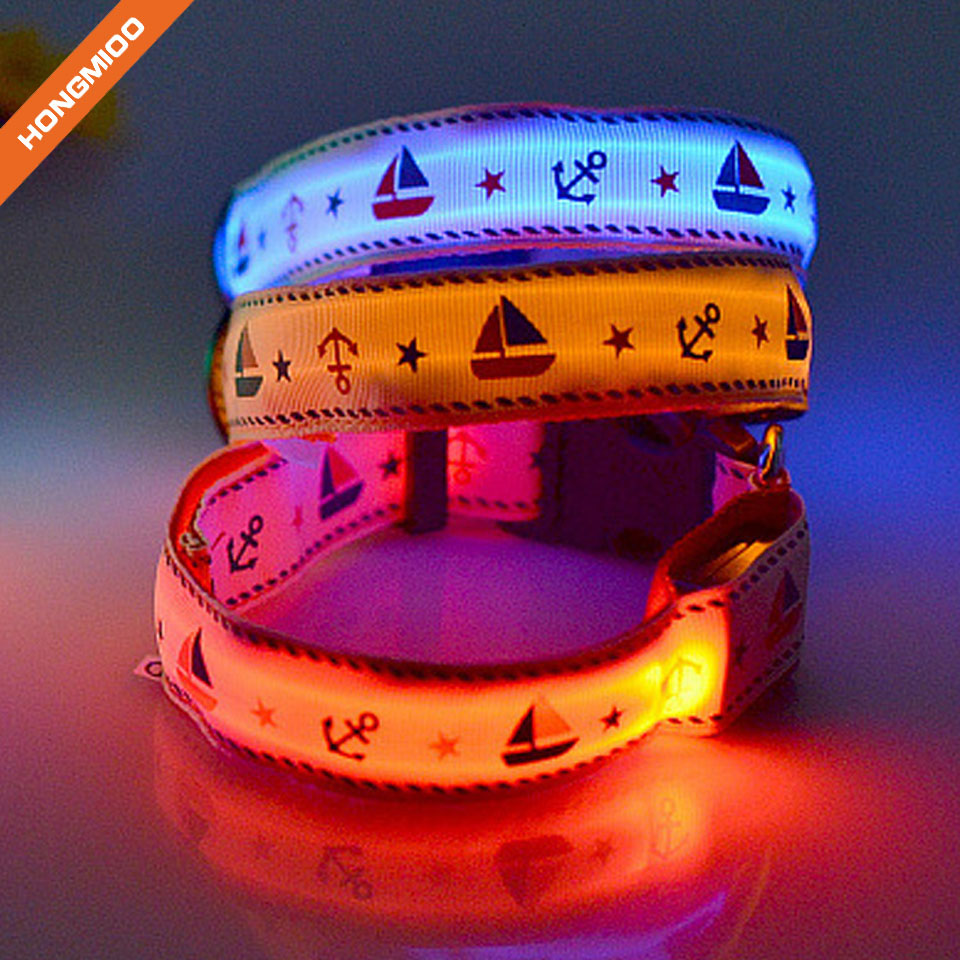 Keep Your Dog Safe High Quality Nylon Waterproof Flashing LED Dog Collar with Extra Batteries