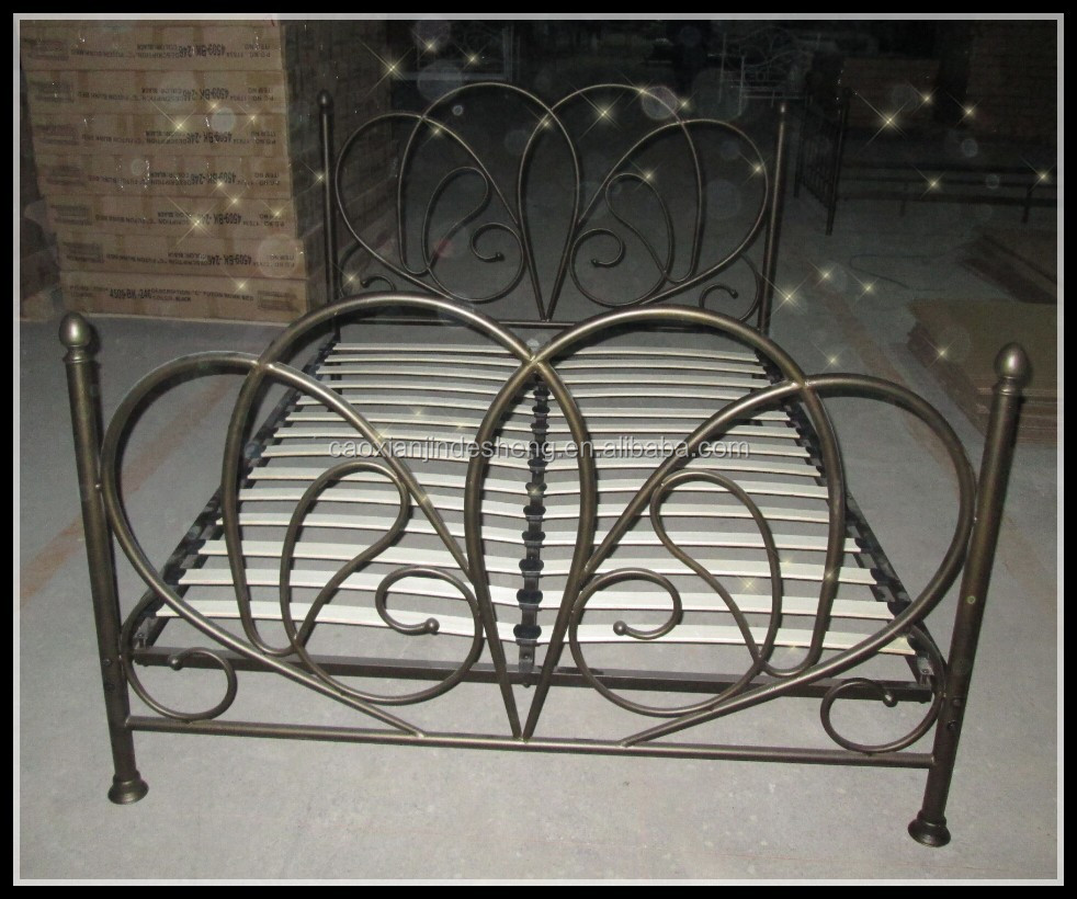 nieuwe ontwerp gouden antieke stijl bronzen metalen bed met houten ...