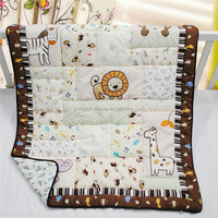 Animal designs quilted pattern blanket baby quilt