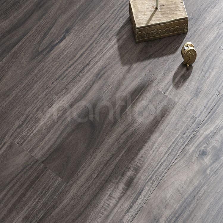 Heat Resistant No Cracking Anti Slip Vinyl Plank Flooring.jpg