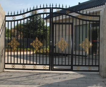 New Design China Style Simple Wrought Iron Gate With A Small Iron Door