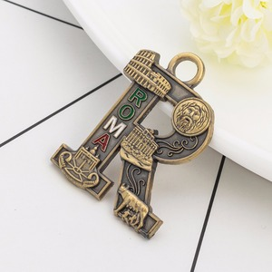 The buildings of ancient Rome Keychain,Rome city craft tourist keychain