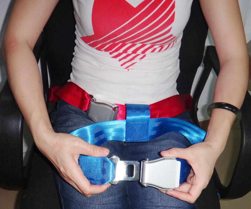 la ceinture de s curit de voiture de b b ajustable avec boucle color ceinture de s curit. Black Bedroom Furniture Sets. Home Design Ideas