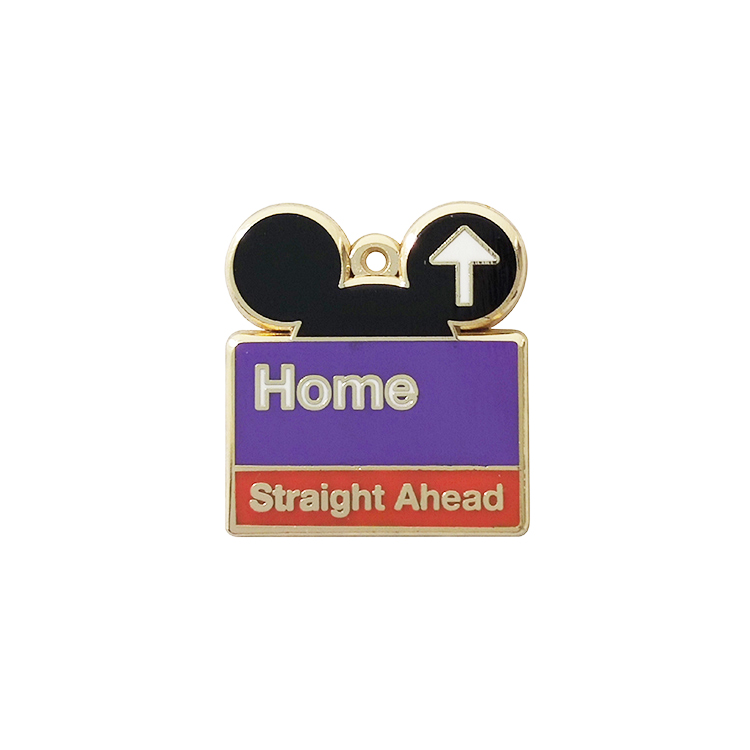 OEM น่ารัก Anime Mouse Shape เคลือบเลเซอร์แกะสลัก Badge Pins