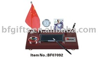 wooden flag set/desk photo frame/plastic pen