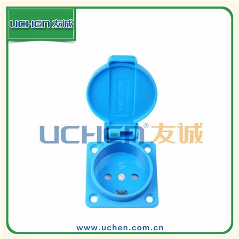 YGB-020 uchen CE&TUV approval 13a IP44 water proof power type2 male socket 32 a car