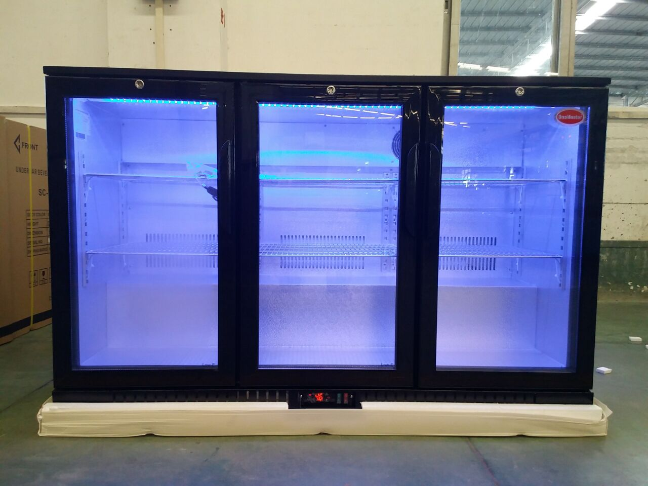Three Glass Door Back Bar Beer/Beverage Cooler with CE, CB