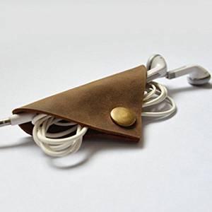Crazy Horse Grain Soft Leather Earphone Wire USB Cable Bobbin Winder / : . Type: Bobbin Winder . . Surface: Crazy Horse Grain . . Material: soft leather . . Color: Brown . . Size: 8 x