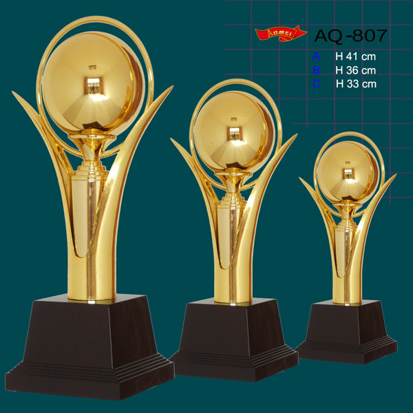 Best Design High Quality Crystal Trophy With Top Award