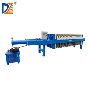 Automatic shaking discharge filter press