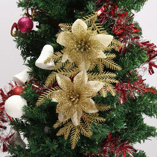 украшение елки цветами фото старую
