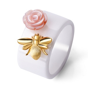 Cute Bee Kiss a Rose Silver jewelry fashion ring