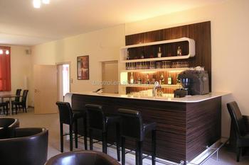 https://sc01.alicdn.com/kf/HTB1F2UoLpXXXXaNXpXXq6xXFXXX8/Wooden-bar-counter-durable-retaurant-bar-counter.jpg_350x350.jpg