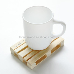 Rectangle shape pine wood slat coaster for coffee cup