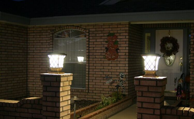 Modern Solar Pillar Lights Widely Used Led Garden Light Square ...