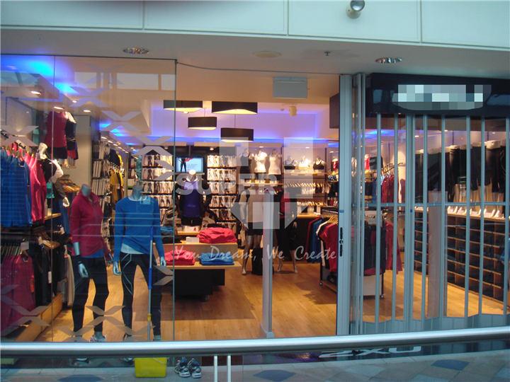 49335e2632469 Super U Shop Raccord Professionnel Super Magasin De Sport Vêtement Design  D'intérieur Sport Magasin