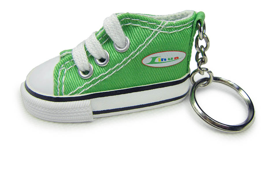 Cheap price 3d converse mini sneaker shoe shape keychain