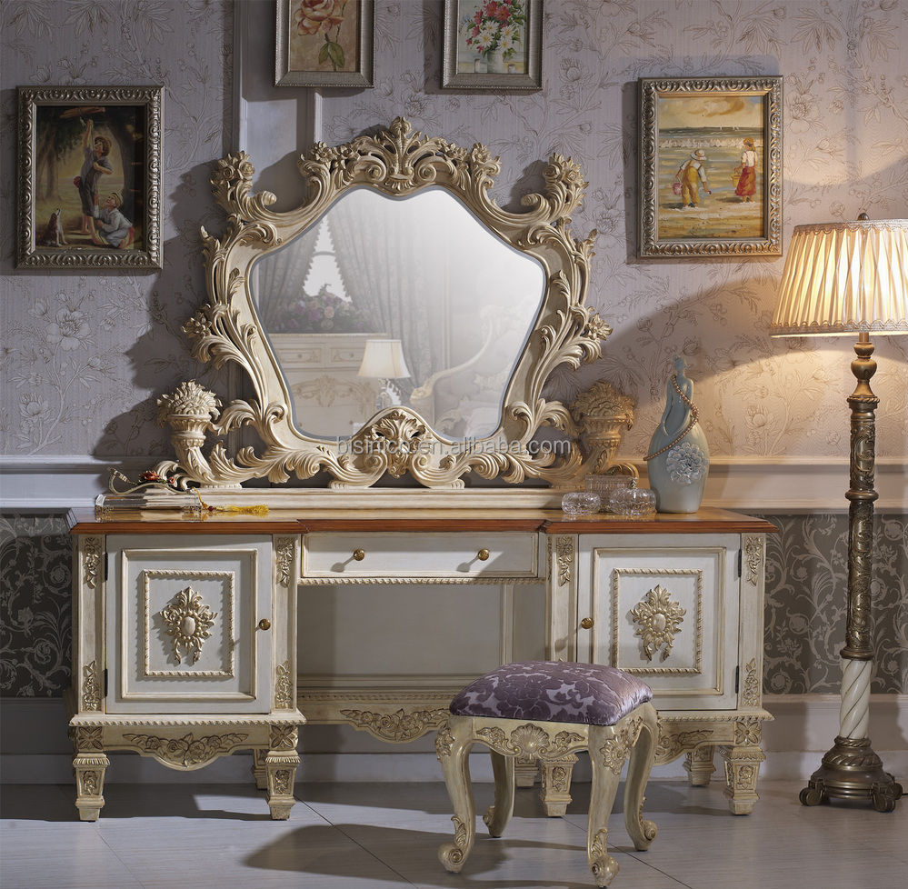Furnuture: Solid Beech Wood Hand Carved Royal Rococo Bedroom