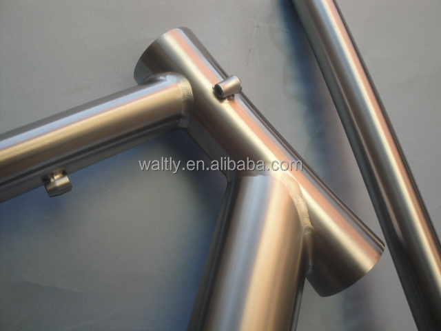 Anti-rust and durable titanium road bike frame for new design