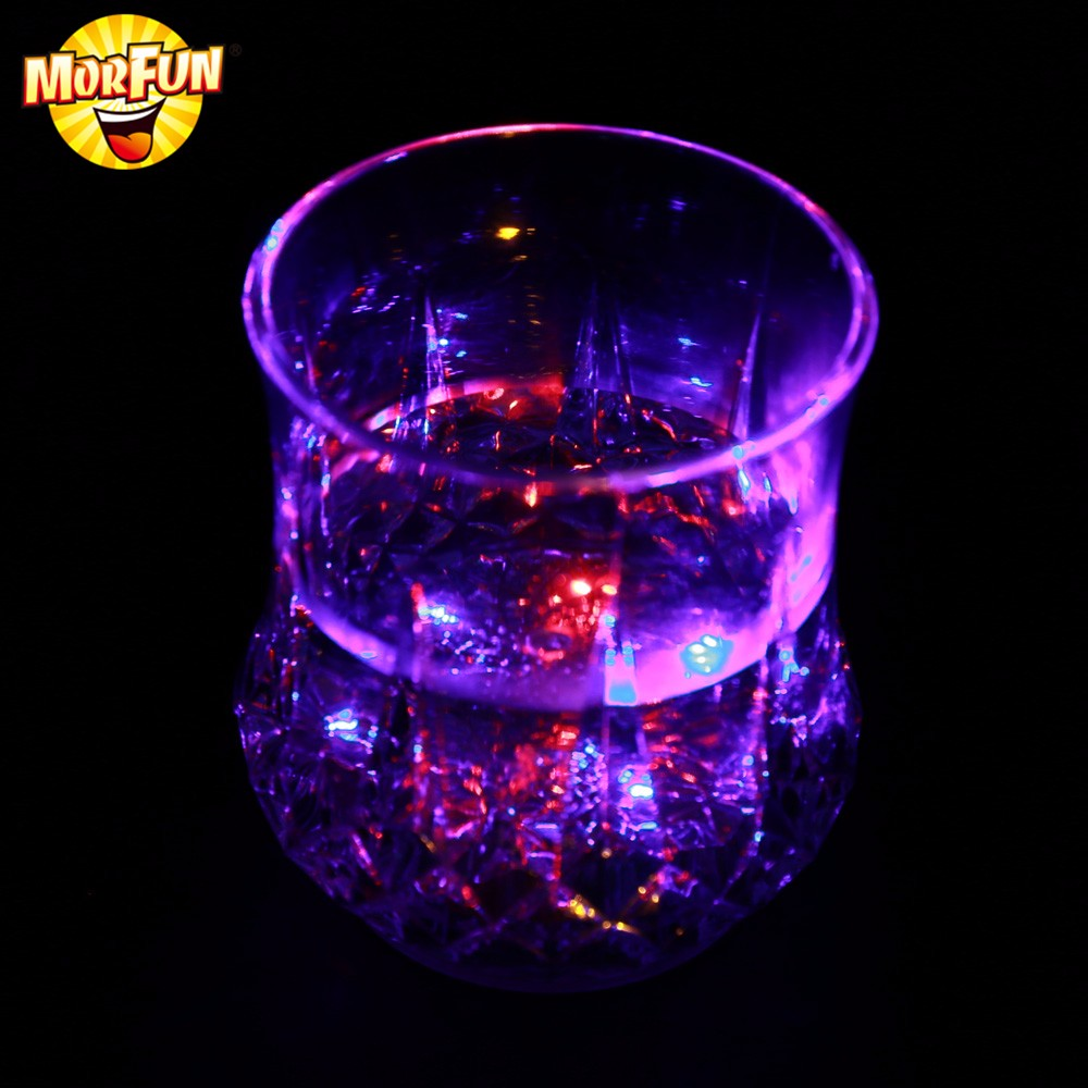 2016 New Product Liquid Activated LED Glow Cup for Party/Club/Bar