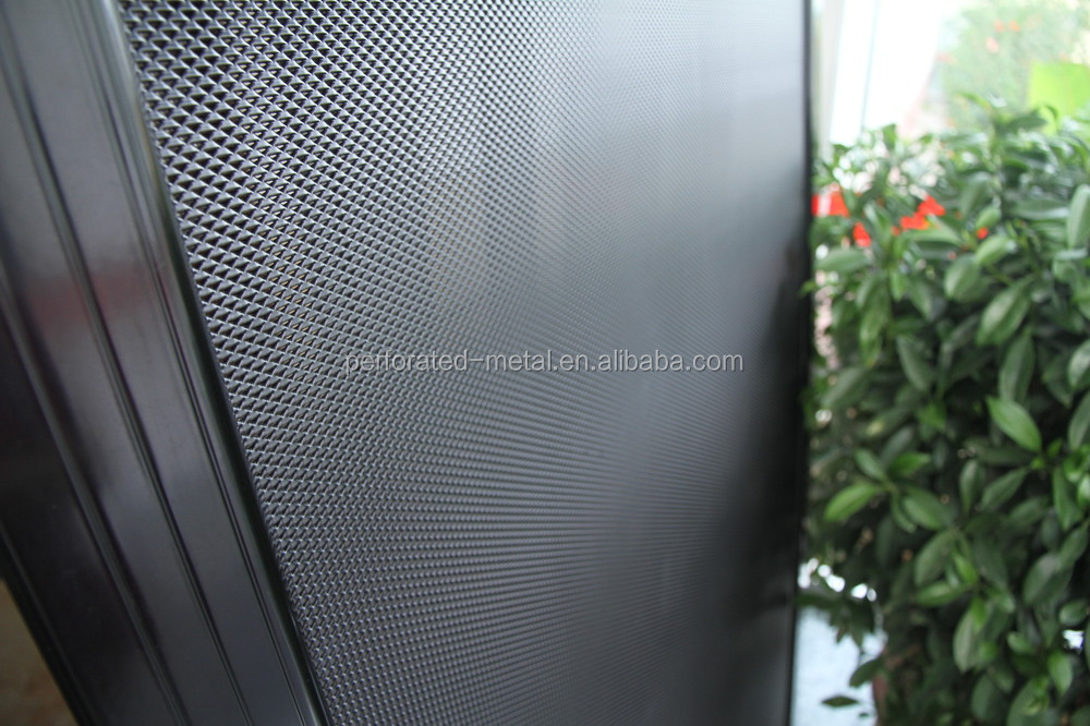how to put metel mesh back in screen door