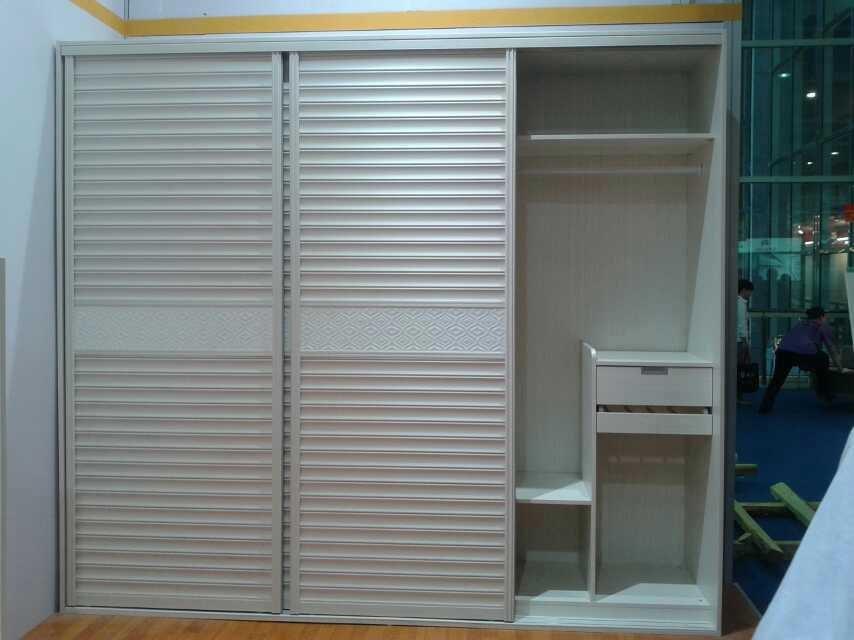 Slaapkamer kast schuifdeuren slaapkamer kast schuine wand consenza for - Eenvoudig slaapkamer model ...