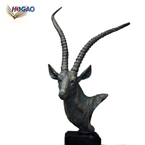 China wholesale cool gifts home decor model room living room office desktop decoration 3d animal resin antelope head